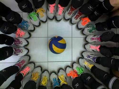 going to do this for my team. everybody gets two different colored neon shoe laces and each shoe will have a difernt color on it. it will look great on our all black shoes.!!!