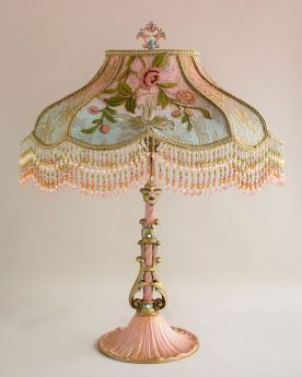 44 vintage victorian lamp shades ideas for bedroom (18)