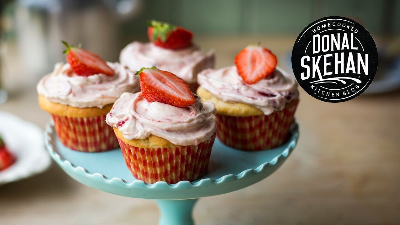 Strawberries & Cream Cupcakes!