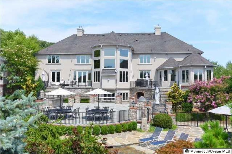 Luxury Homes For Sale 13 Homes Zillow Pool Houses Concrete Pool Outdoor Rooms