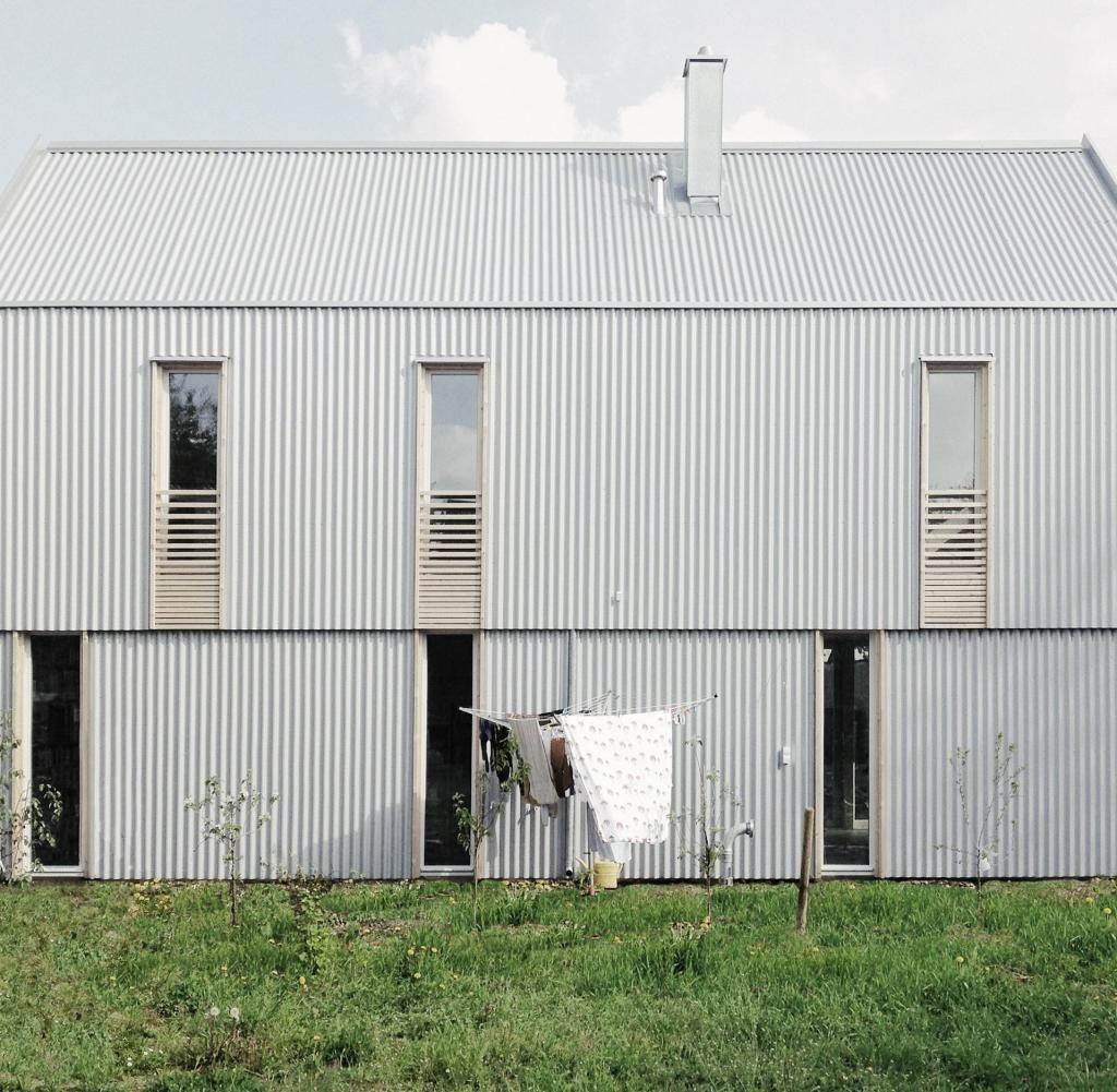 Hauser Des Jahres Architekturpreis Fur Munchner Wellblech Hutte Welt Architektur Wellblech Haus