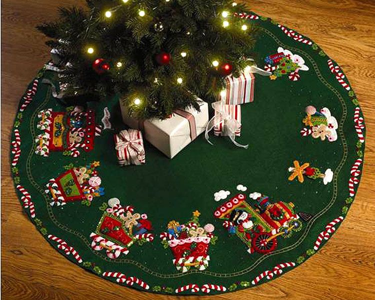 Bucilla ~ Candy Express ~ 43″ Felt Christmas Tree Skirt Kit #86158. 2009  PATTERN ~ DISCONTINUED IN 2014 This tree skirt features the Candy Express  engine ... - Candy Express 43