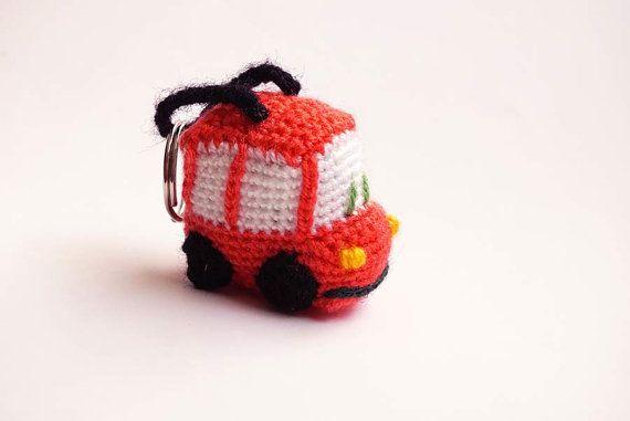 Amigurumis Pequeños Para Llaveros : Coral car crochet amigurumi keychain coral llaveros y ganchillo