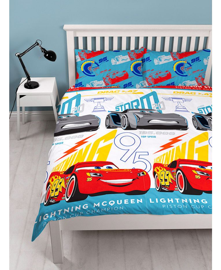 this cool disney cars 3 lightning double duvet cover set features lightning mcqueen and jackson. Black Bedroom Furniture Sets. Home Design Ideas