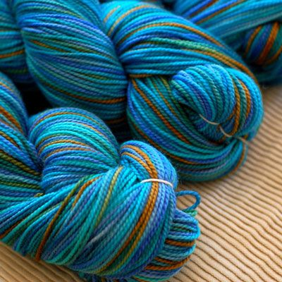 Another hand spun sock yarn. Oh my what Great colour!