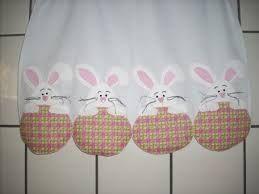 Resultado de imagem para coelhos de pascoa para pano de prato