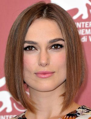 Coupe Carre Plongeant Chatain Clair Womens Hairstyles Hair Styles Short Hair Styles
