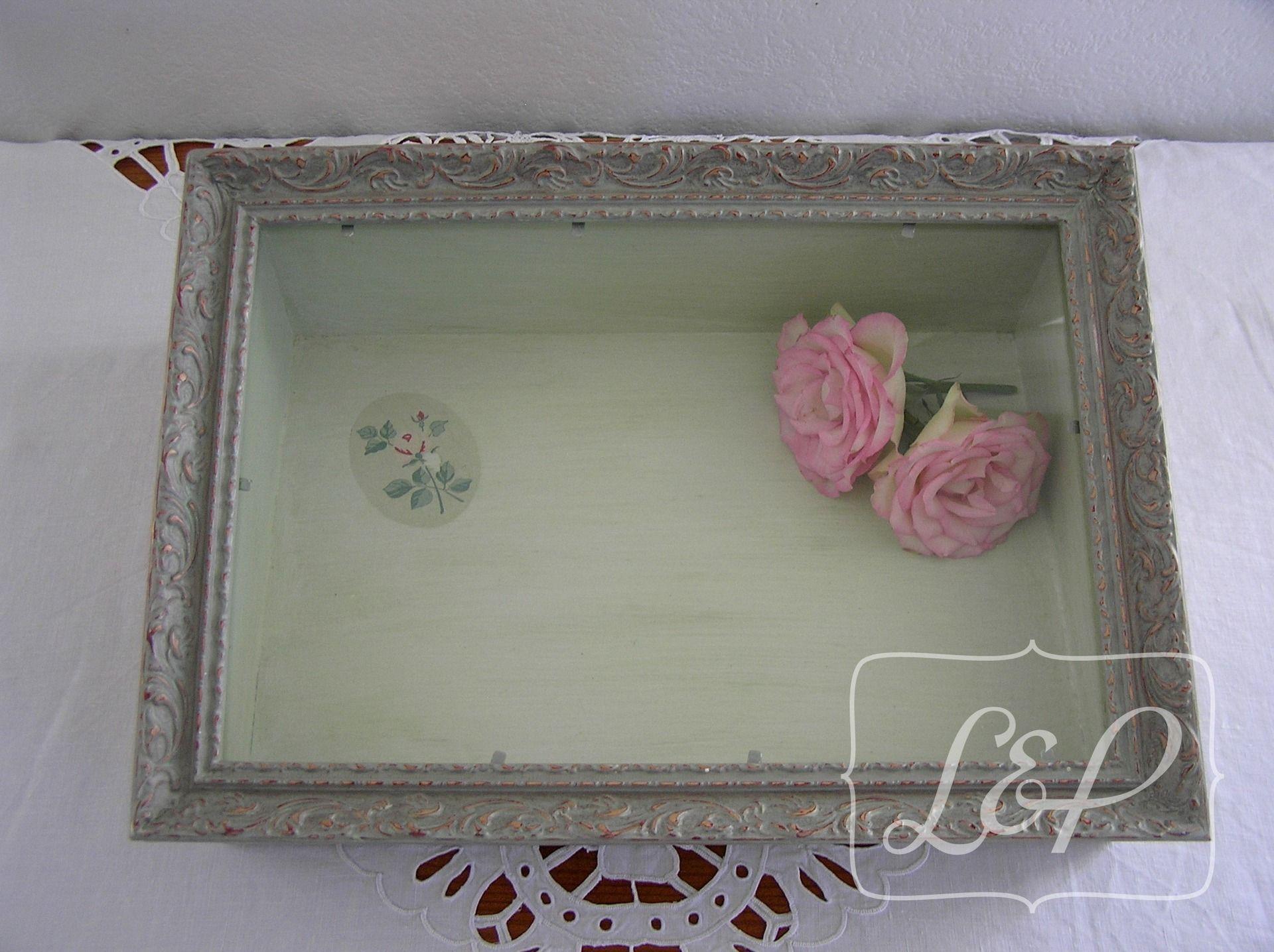 bo te vitrine ou coffret bijoux cadre ancien en bois. Black Bedroom Furniture Sets. Home Design Ideas