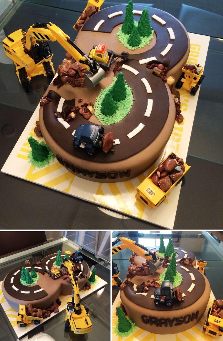 So ein lustiger Kuchen. Baukuchen für einen kleinen Jungen, der Bagger liebt. Er liebte… - #BabyKuchen #cakedesigns