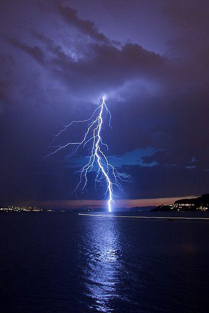 tulipnight:  Thunderstorm over Bergen by Sprengstoff72 on Flickr.