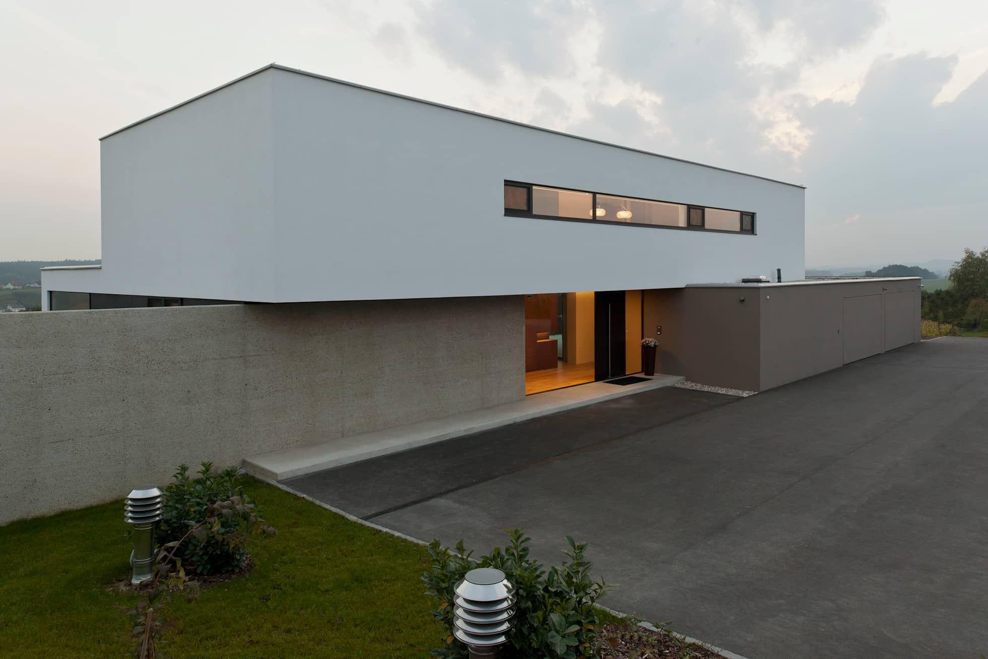 Wohnhaus P Moderne Huser Von Frohring Ablinger Architekten With Bauhaus  Domy.