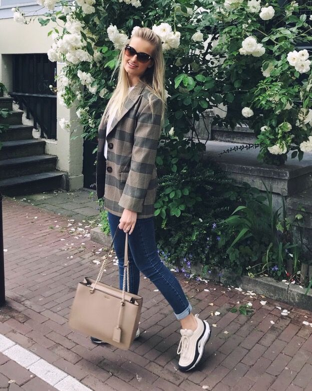 What does the editor wear #10: Shopping in Amsterdam