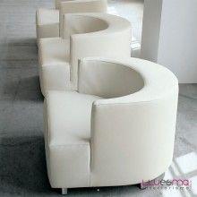 Butaca moderna modelo internos tapizada de alivar butaca for Butacas diseno italiano