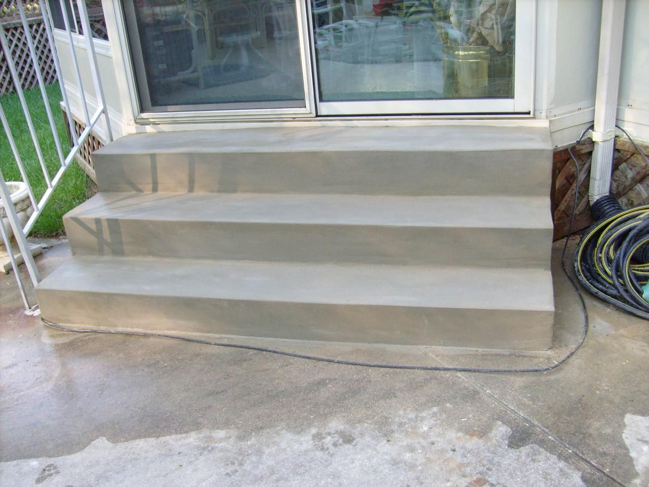 Back Door Steps | Back door to patio entrance steps | Deck ... on Backdoor Patio Ideas id=45282