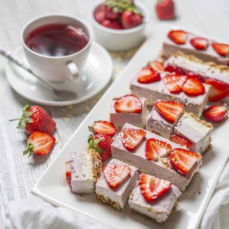 Strawberries Cream Torte Recipe: Raw Vegan Strawberry Cream Slice