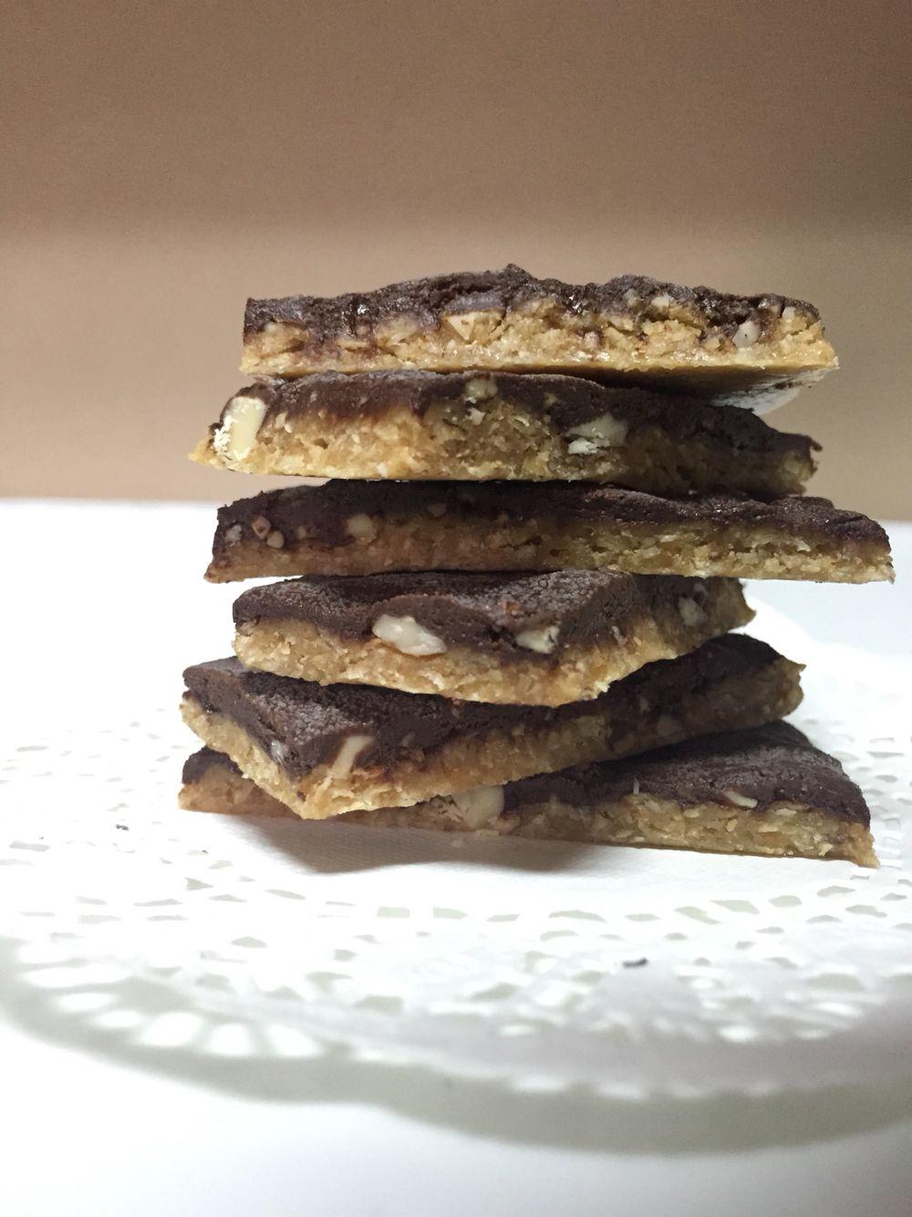 دنيتي فوائد الفول السوداني و استعاملاته الصحية Peanuts Nutrition Peanut Dark Chocolate Nutrition