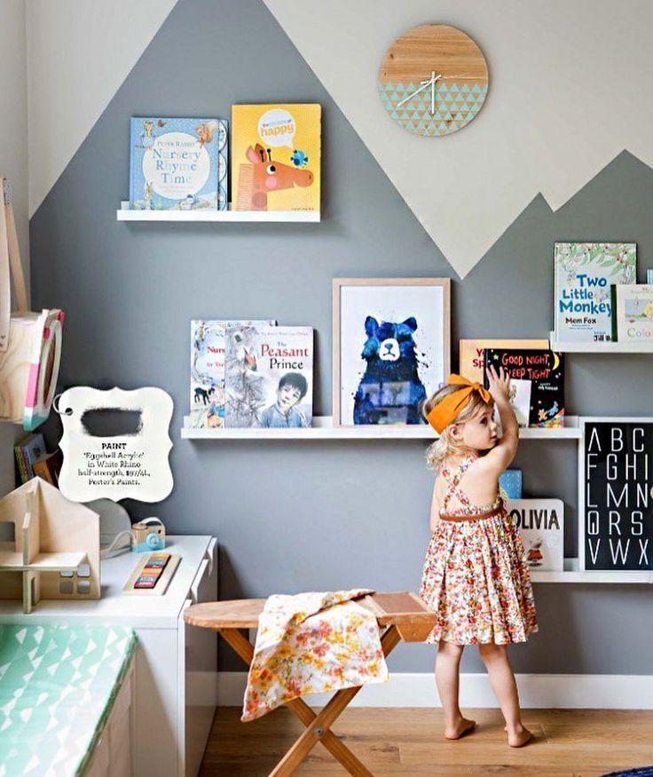 Kinderzimmer b cherregale wandgestaltung life of kids kinderzimmer kinder zimmer und - Wandgestaltung kinder ...