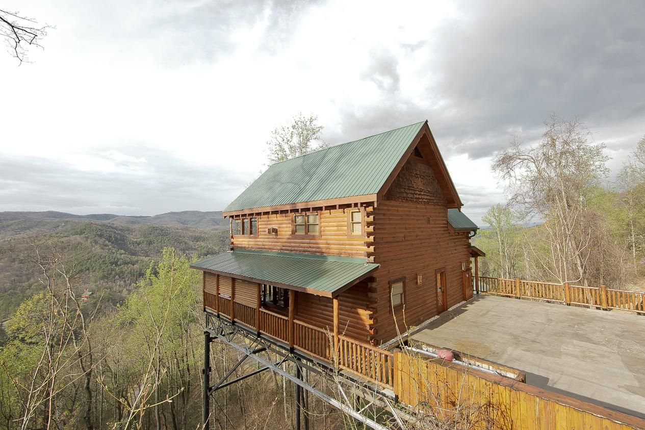 our of rental outdoor wears and pigeon through tennessee valley search cabins gatlinburg beautiful forge