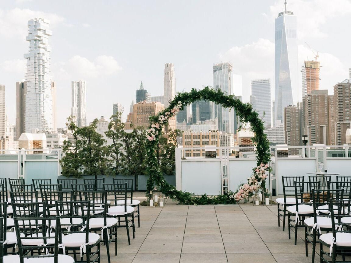 The Ultimate New York City Wedding Venue Guide City Wedding Decor City Wedding Venues Rooftop Wedding Venue