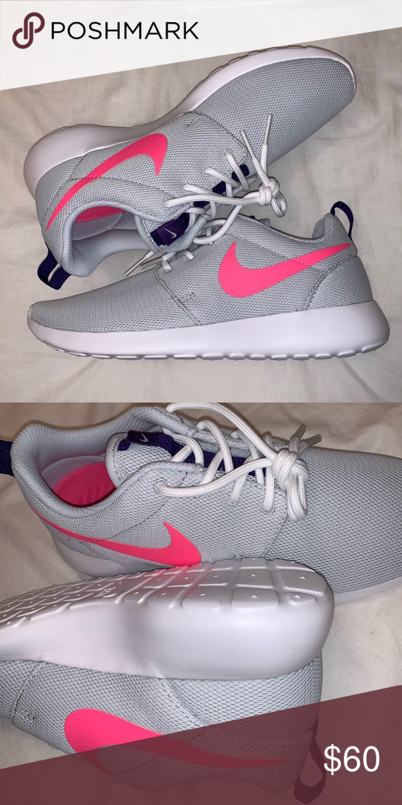 super popular 3abf0 8191f W NIKE ROSHE ONE Brand New pair Size 7.5 100% authentic Nike product,  purchased directly from NIKE Nike Shoes Athletic Shoes