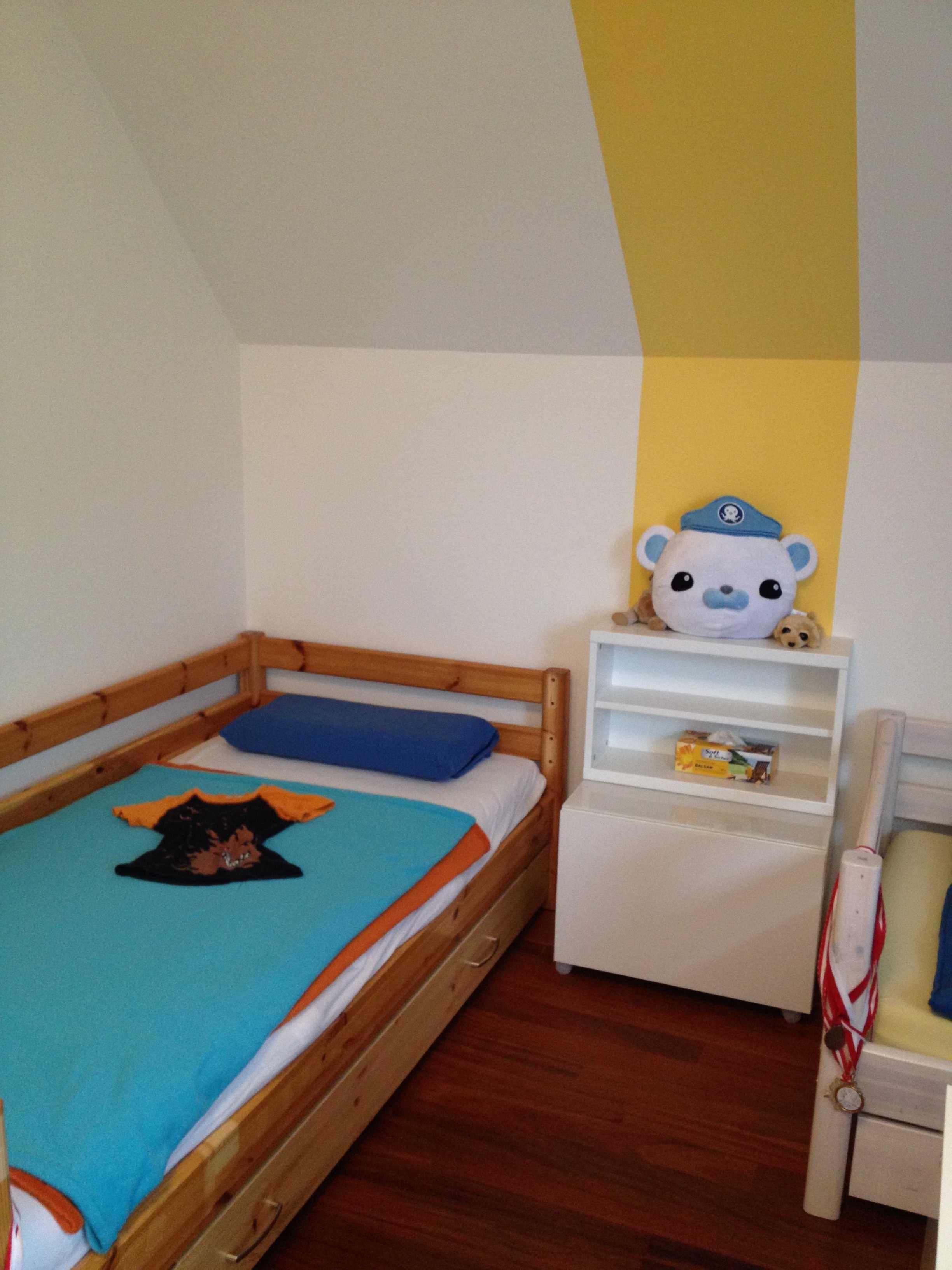 Kinderzimmergestaltung für Geschwister mit Dachschräge