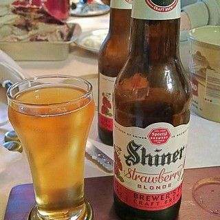 Shiner Strawberry Blonde Spoetzl Brewery With Images Ale