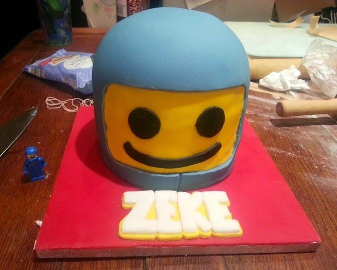 How to make a LEGO Benny the Spaceman cake. From The LEGO Movie