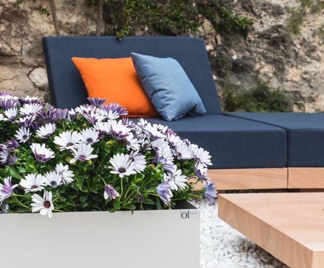 outdoor sofa \