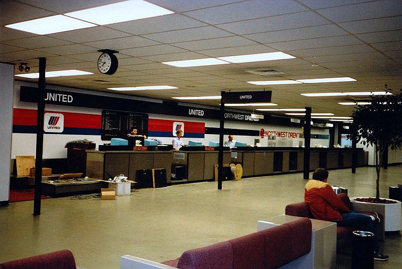 How To Get A Job At An Airline Ticket Counter