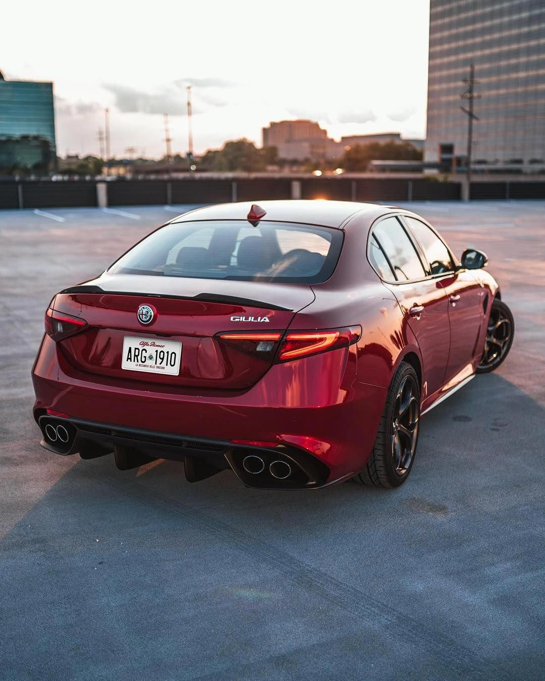 Alfa Romeo Giulia Quadrifoglio #FerrariPink