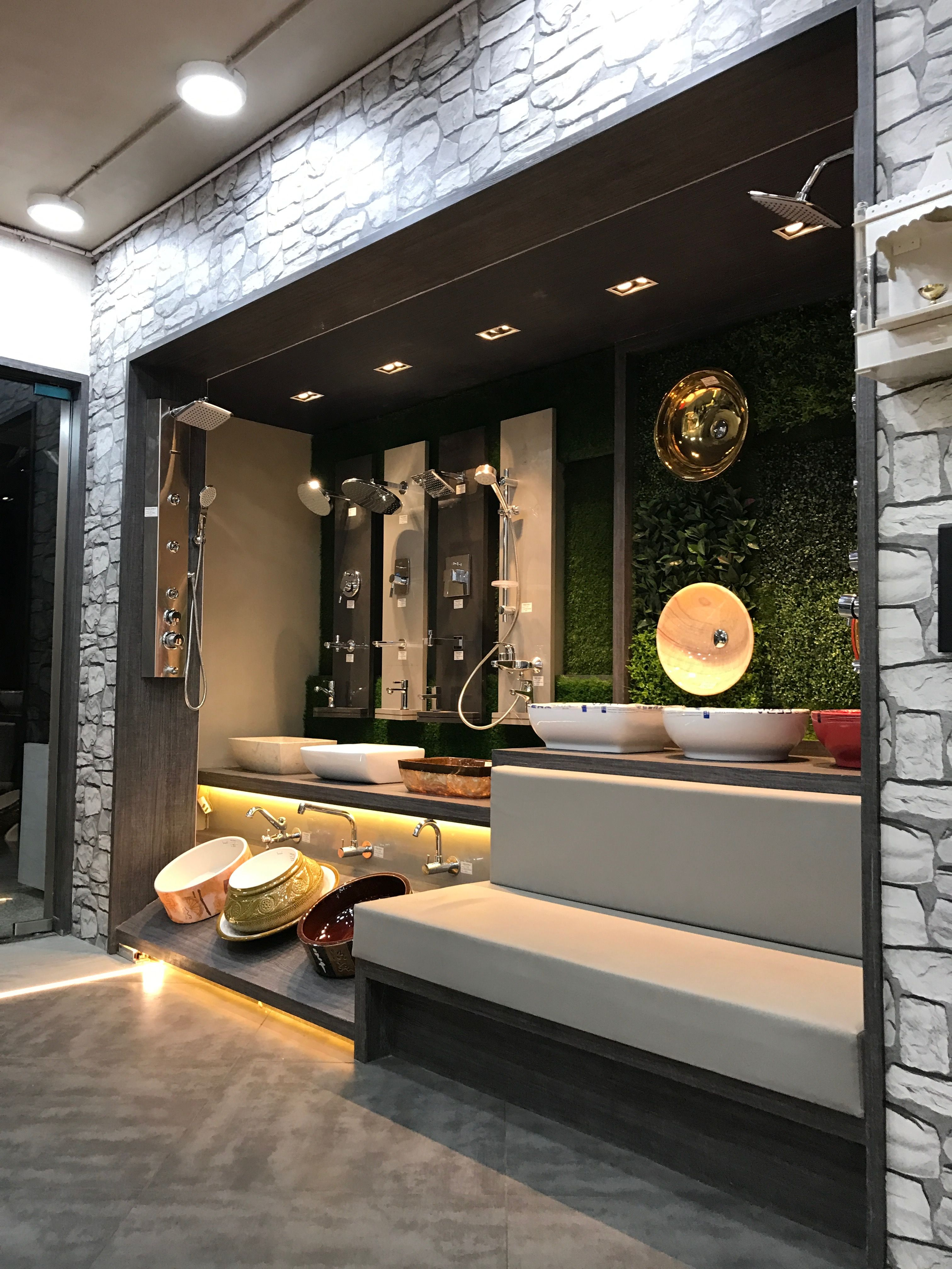 Showerpanel Washbasins Sitout Grass Entrancedisplay Showroom