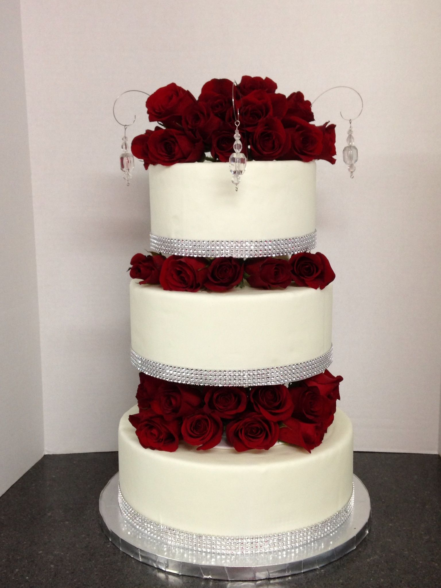 wedding cakes with red roses and bling classic roses amp bling wedding cake shellscakes 26098