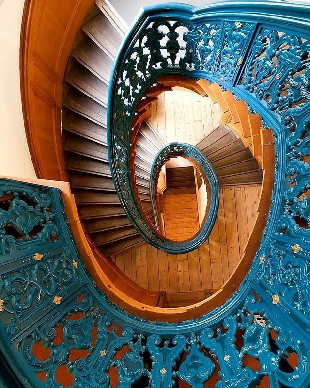 Best Another Exquisite Staircase Stairs Staircase Blue 400 x 300