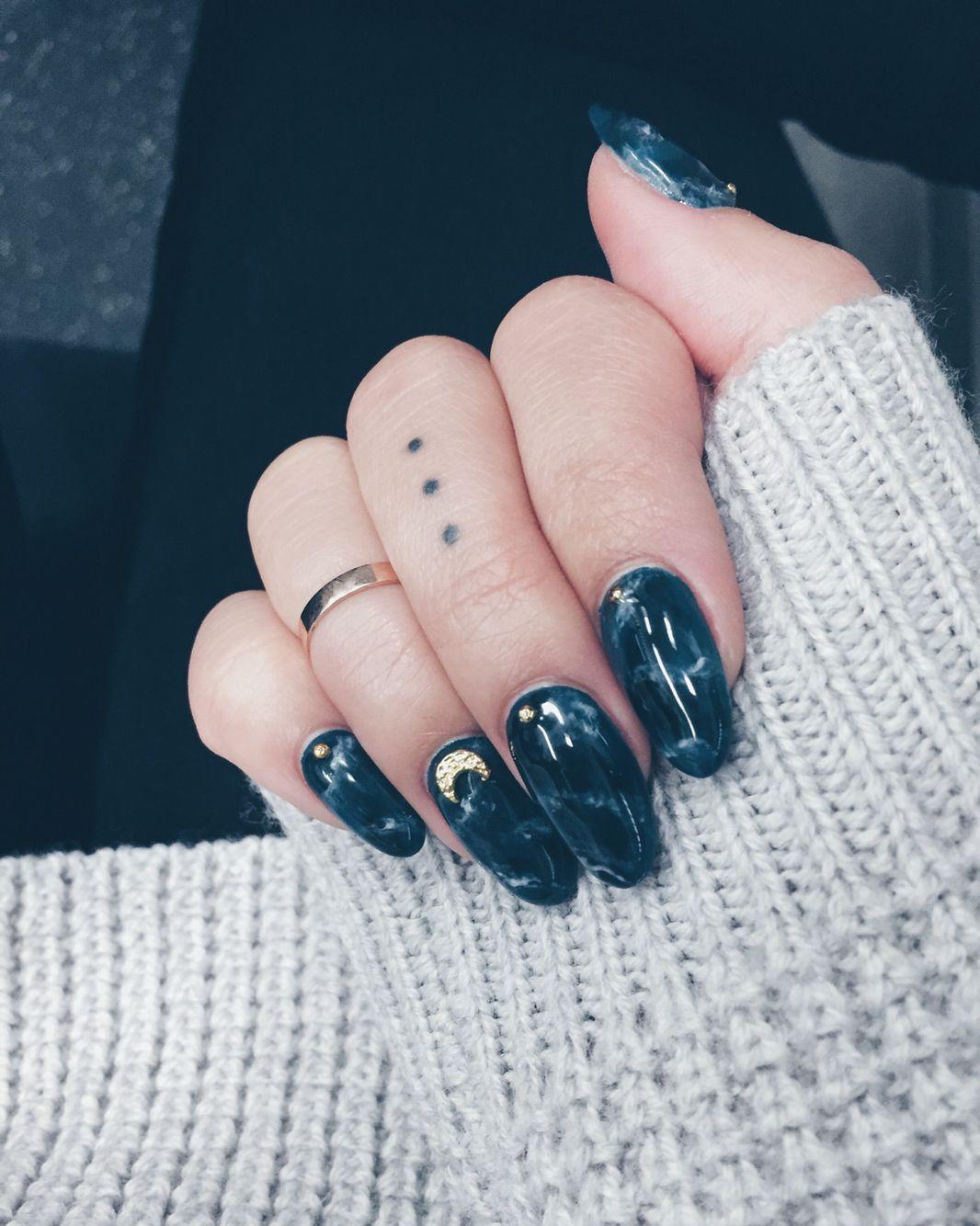 dark green blue marble nails