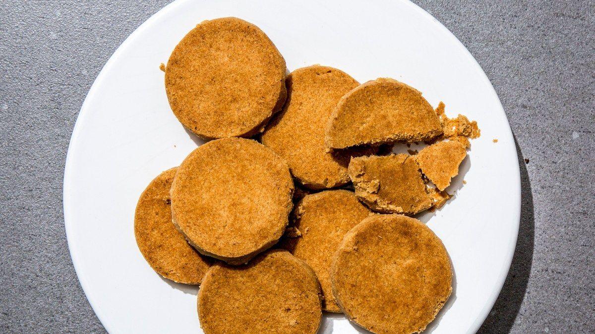 Toasted flour sables