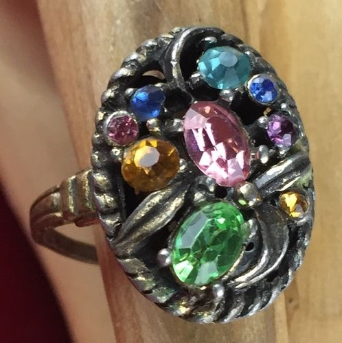 Vintage Oval Rhinestone Bronze Tone Fashion Ring JMVS095 |We combine shipping|No Question Refunds|Bid $60 for free shipping. Starting at $1