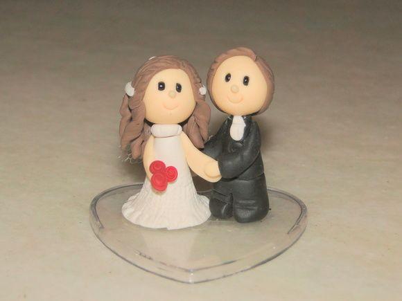 Noivinhos de biscuit para lembrancinha de casamento, ou outros fins. R$ 7,00