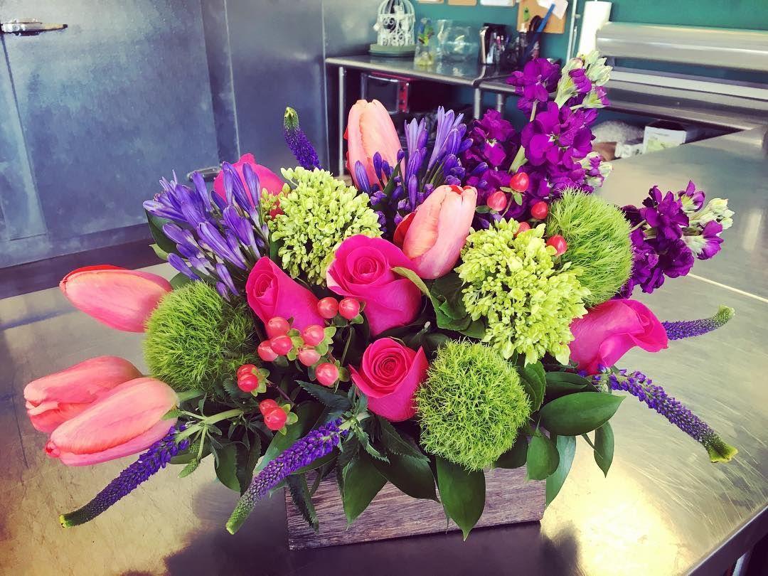 Joanna Hall On Instagram Flowers Flowerporn Flowersarefun Theflowermill Custom Allcustomallthetime Lowell Shoplocal Flowers Floral Wreath Agapanthus