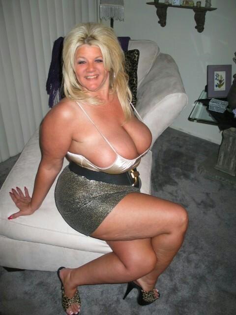 Curvy older women pics