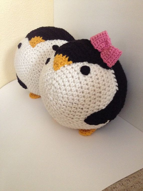 Crochet penguin pillow | Anleitungen | Pinterest | Pinguine, Kissen ...