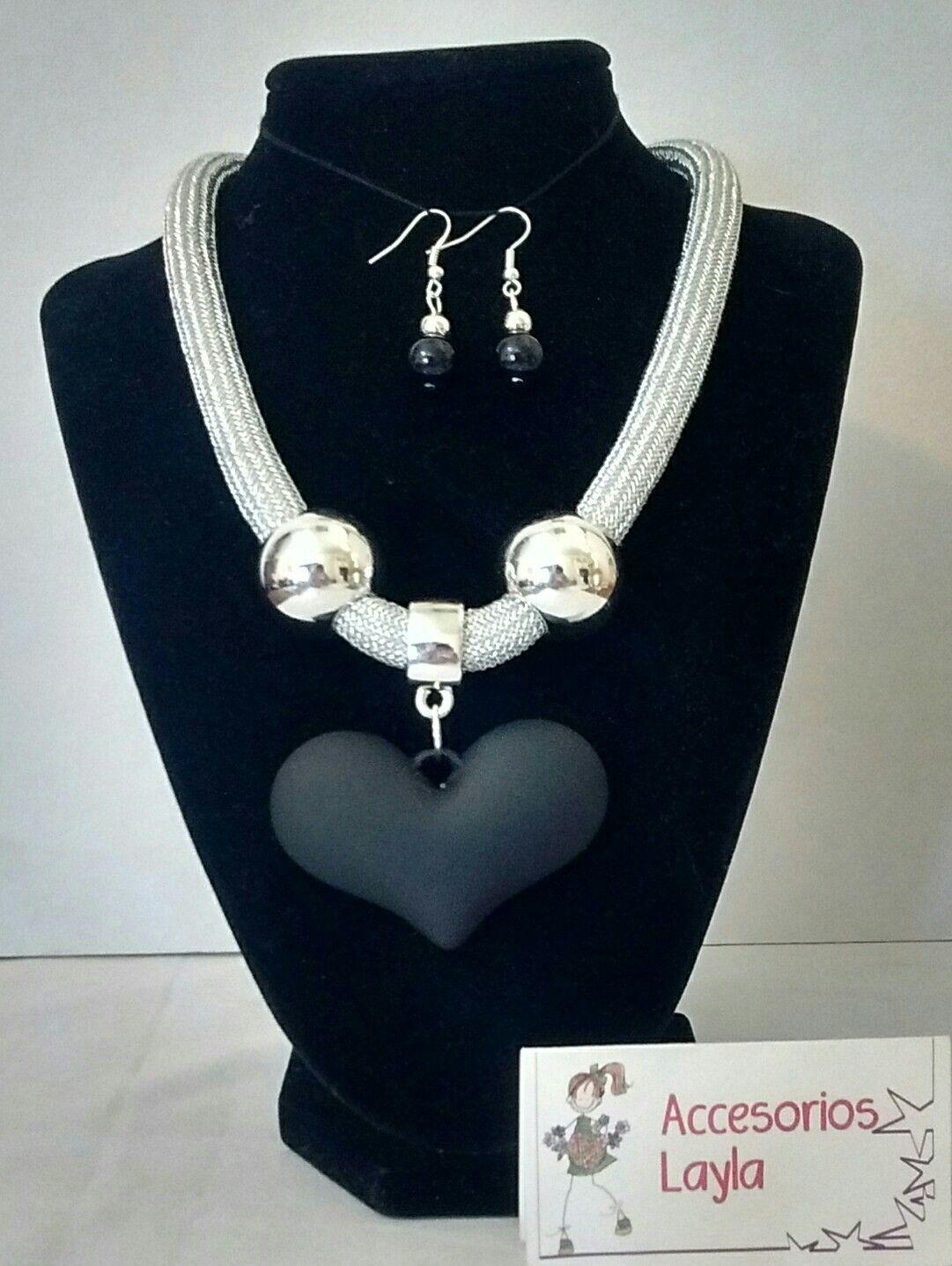 16ac65a94494 Collar corazón gris con perlas y cordón plateado o blanco