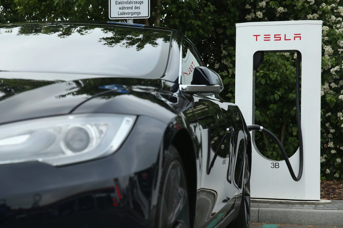 Elon Musk hopes to conquer electric car range limits by