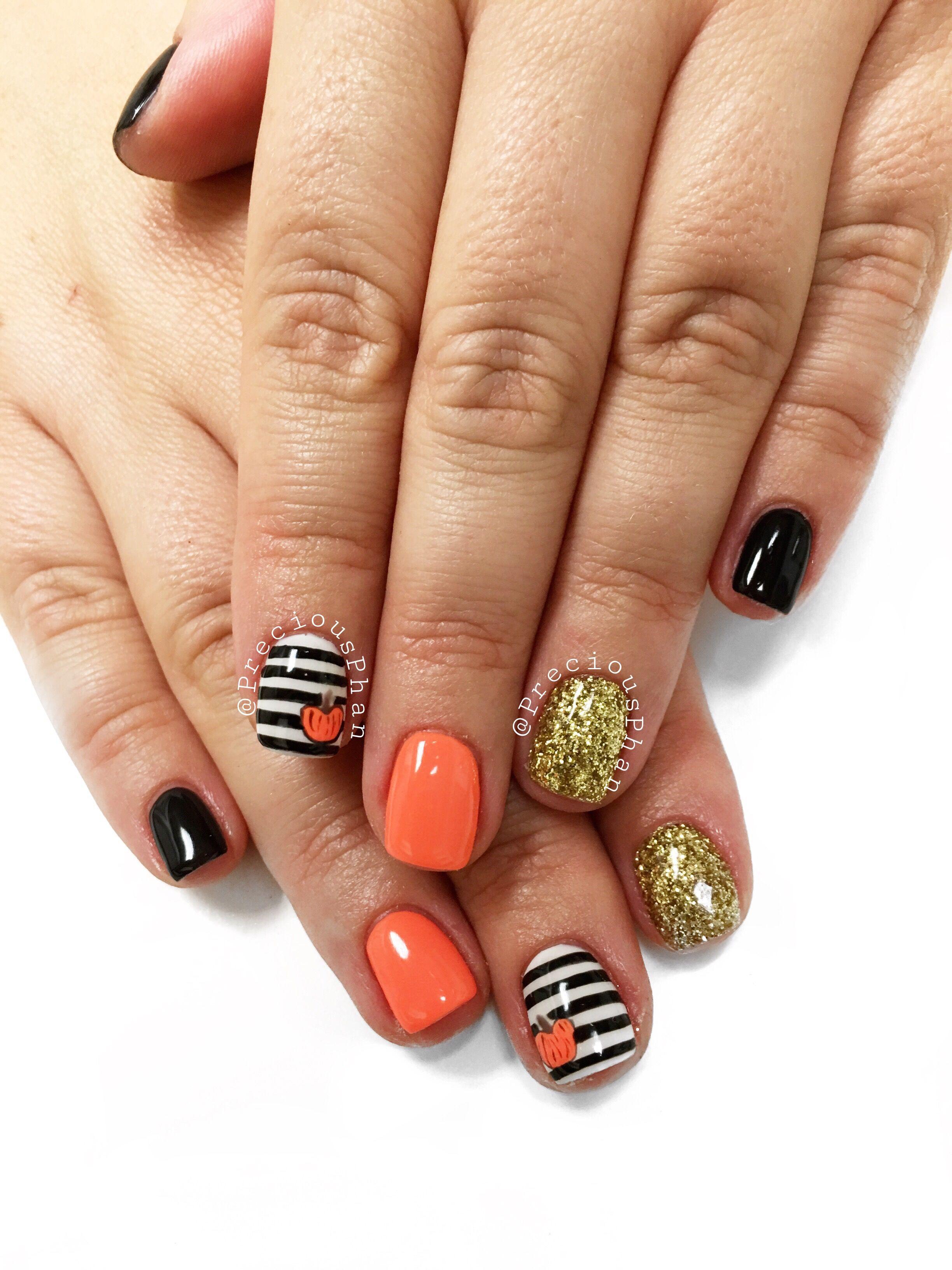Halloween nails. Black and white nails. Pumpkin nails. # ...