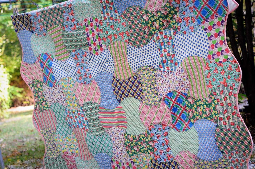 May Designer Of The Month Thimbleanna Quilts Traditional Quilts Floral Quilt