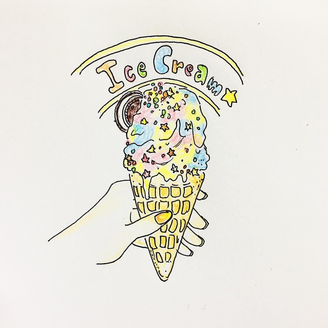 """ice cream"""" . 今日は真夏かと思うくらい暑い1日☀ . . 海外にいる友達"""