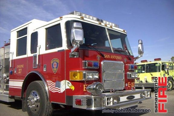 San Antonio Fire Department Engine 27 (Pierce Enforcer)