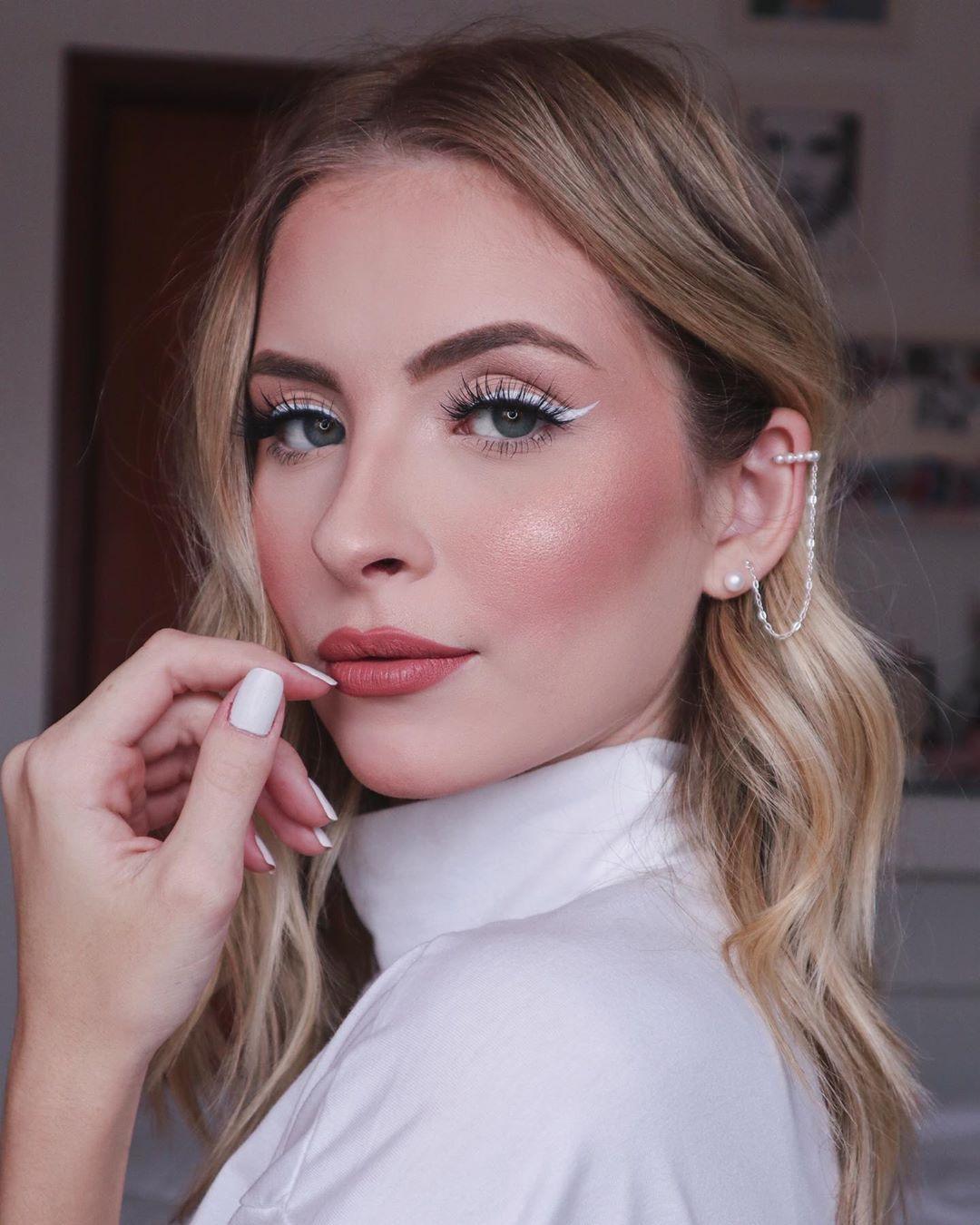 ღ sαℓσмé ∂єsєrτ ღ | American makeup, Hair beauty, Makeup looks