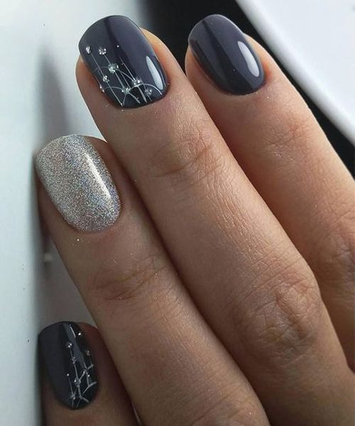 New Lovely Nail Art Designs To Look Beautiful On Party Make Up