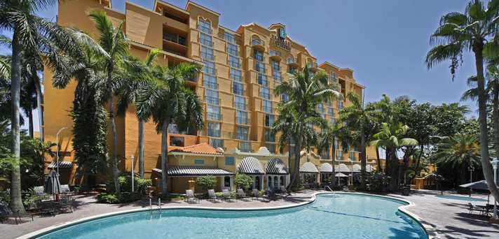 Embassy Suites Miami International Airport Hotel Fl Embassy Suites Miami Airport Hotel Airport Hotel Miami Vacation Miami Airport