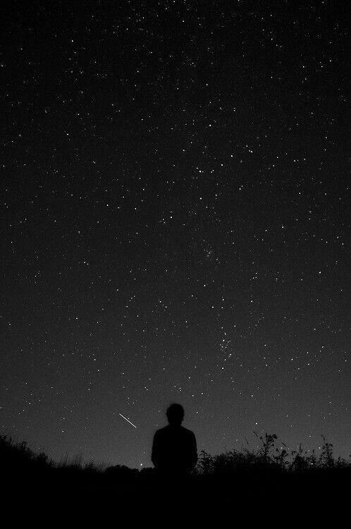 black aesthetic sky of stargazing